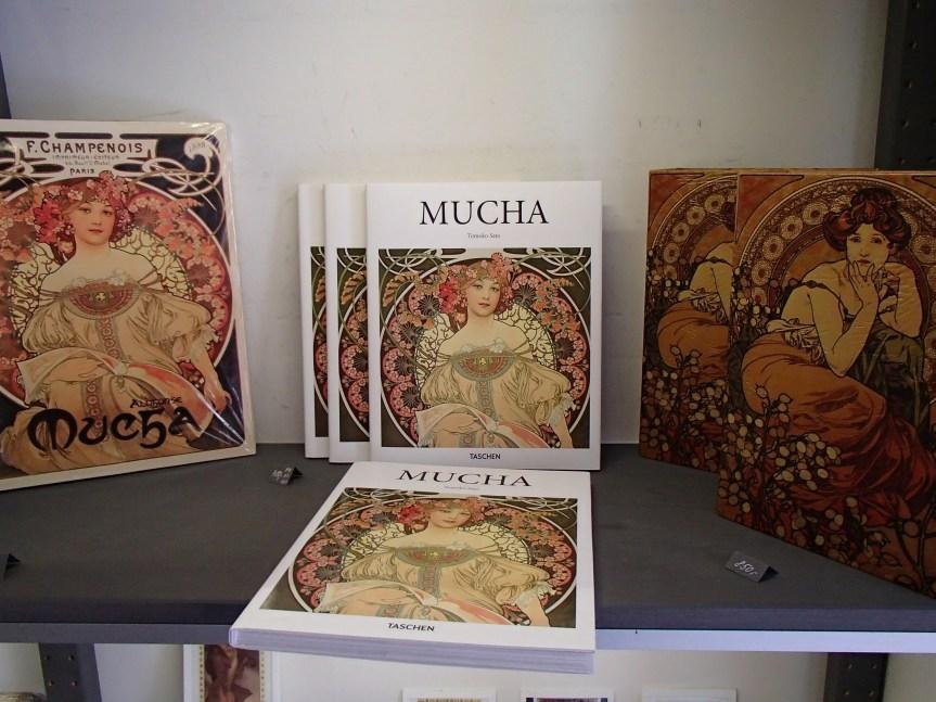 Boutique Mucha/ @pink.turtle.blog
