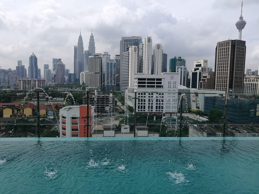 Vue du toit de notre hôtel @pink turte