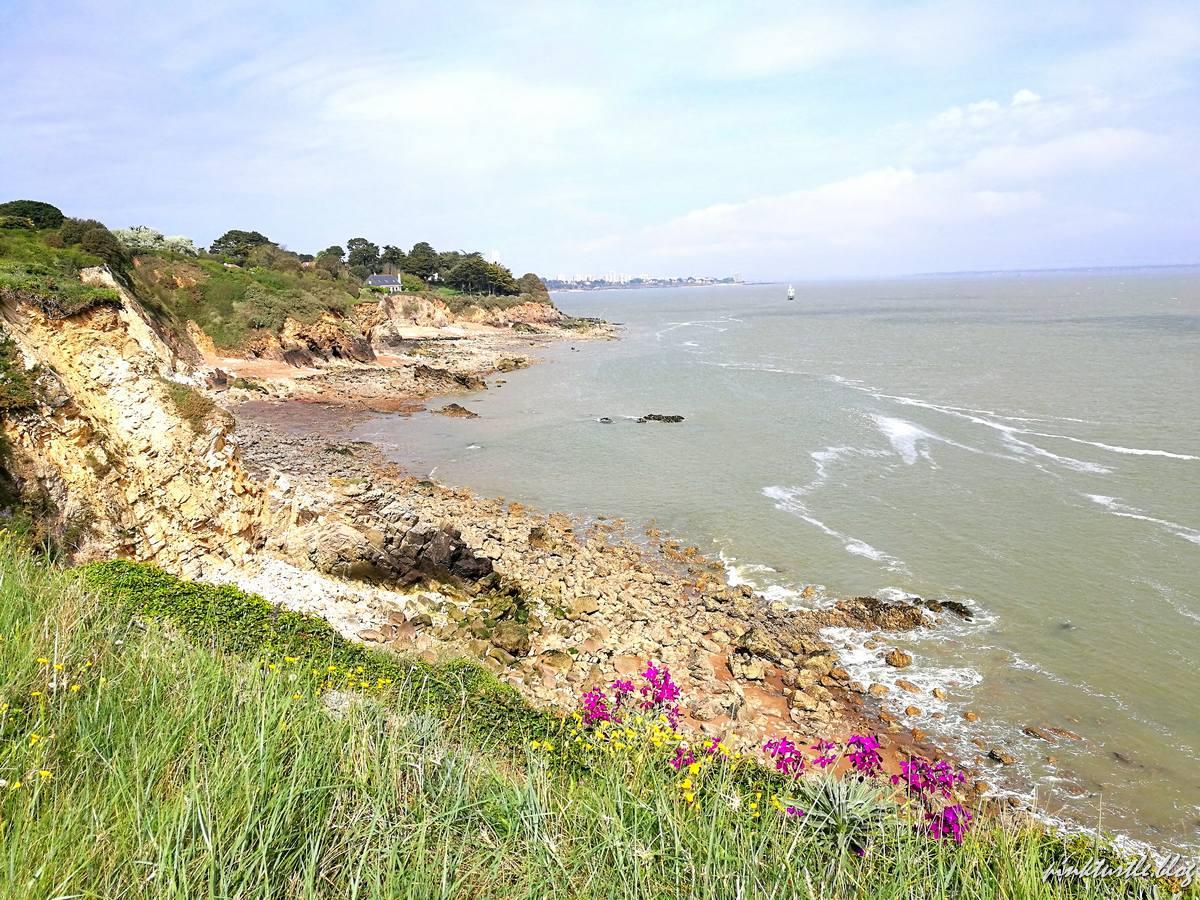 Sentier côtier de Saint-Marc sur Mer @pink.turtle.blog