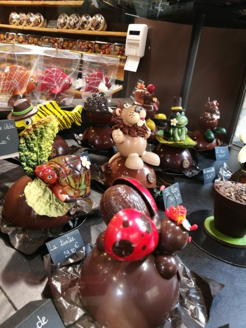@pink.turtle.blog/ Chocolaterie Larnicol avec tortue!!