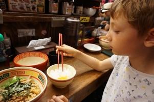 restaurant Ramen/ @pink.turtle.blog