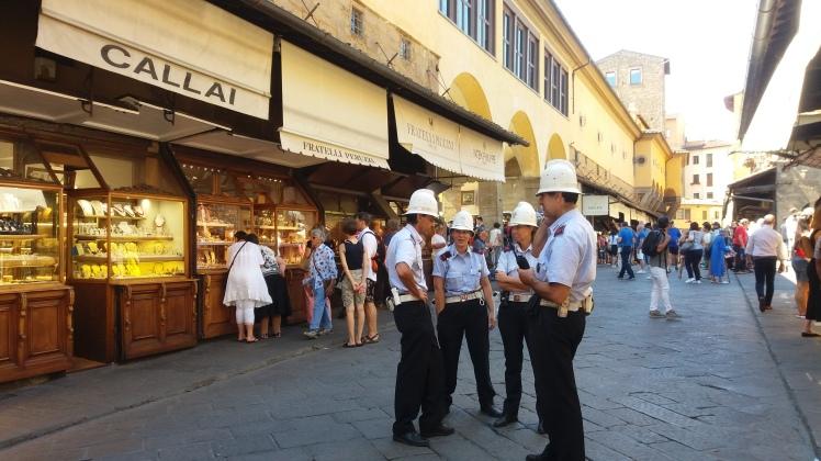 Le Ponte Vecchio et ses joailliers/ @pink.turtle.blog