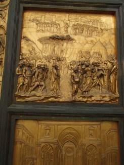 Porte du Paradis, Baptistère/ @pink.turtle.blog