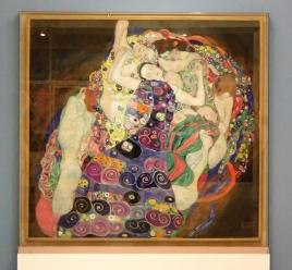 Les vierges de Klimt, musée d'art de Prague/ @pink.turtle.blog