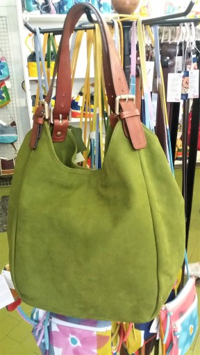 "Sacs en cuir ""made in Italy"", Lucca/ @pink.turtle.blog"