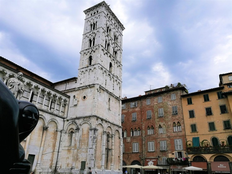 Eglise sans Michele in Foro, Lucca/ @pink.turtle.blog