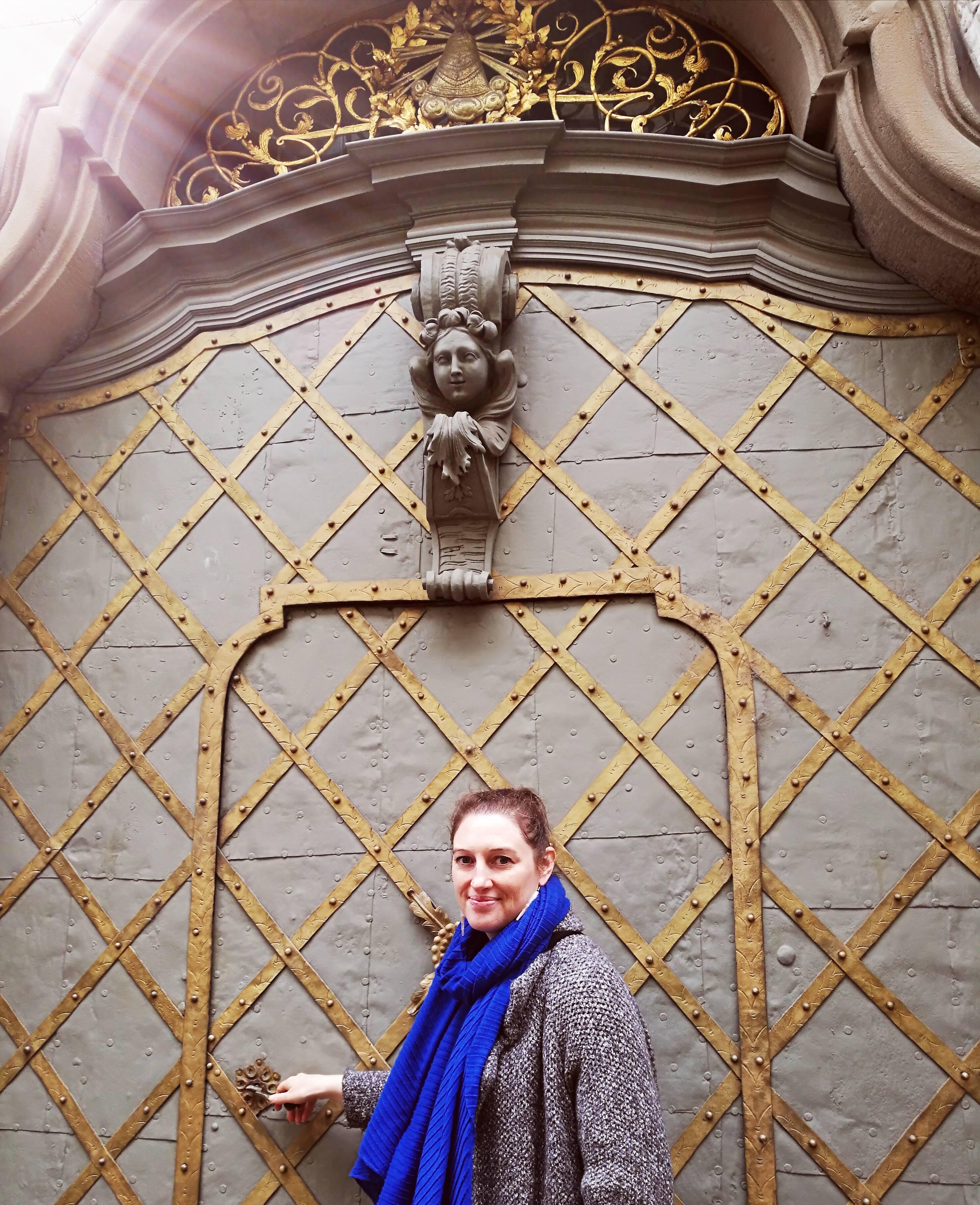 Magnifique porte, centre-ville, Brno @pink.turtle.blog