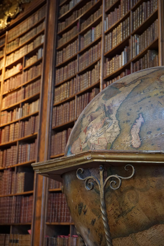 Bibliothèque Nationale, Vienne @pink.turtle.blog