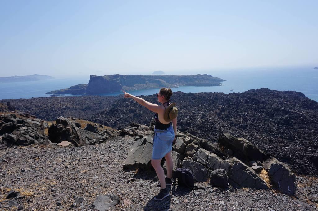 Le volcan, Santorin @pink.turtle.blog