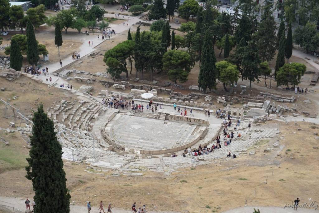 Le théâtre de Dionysos, Athènes @pink.turtle.blog