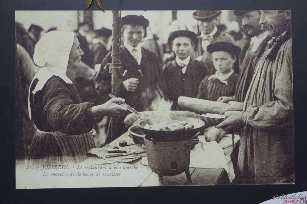 Ancien marché de Josselin @pink.turtle.blog