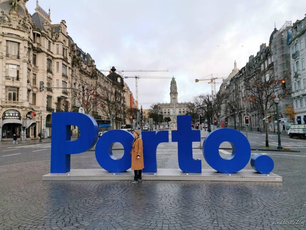 Plaça da Libertade, Porto @pink.turtle.blog