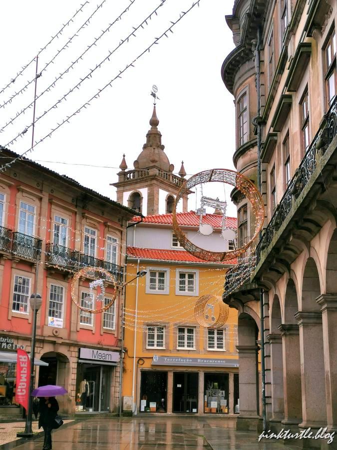 Centre historique de Braga @pink.turtle.blog