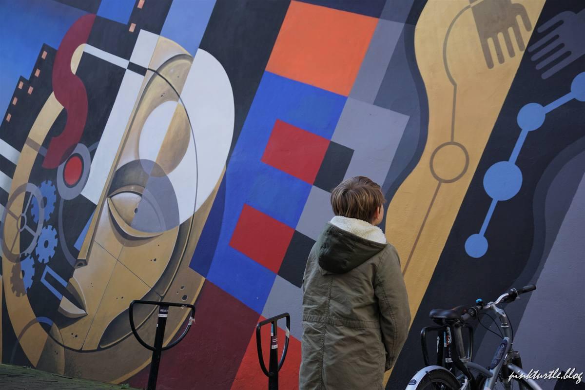 Street-art près de la Place Graslin, Nantes @pink.turtle.blog