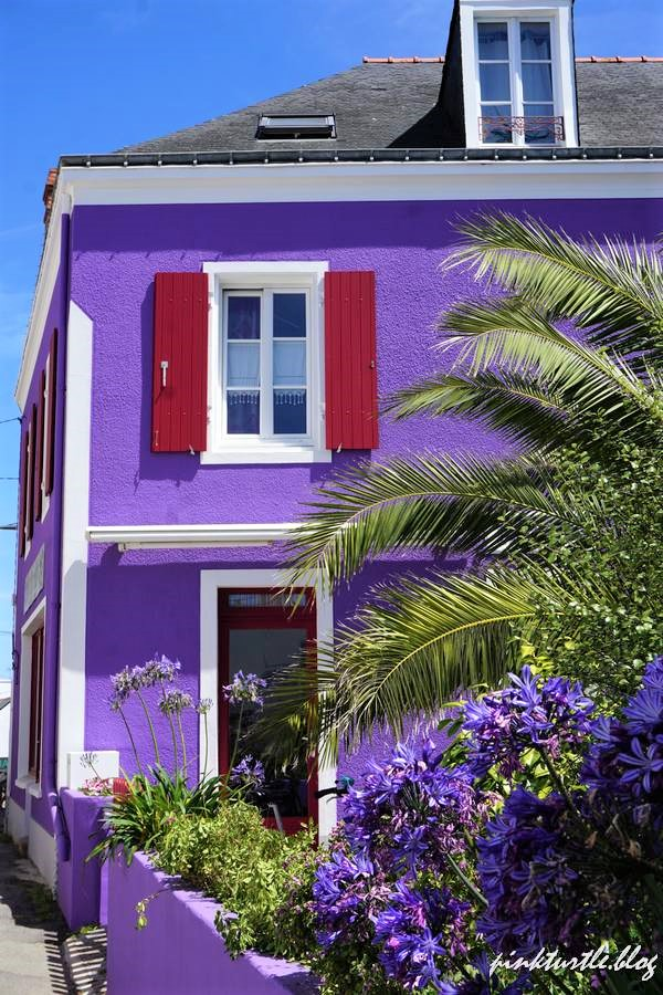 Maison colorée, île de Groix @pinkturtle.blog